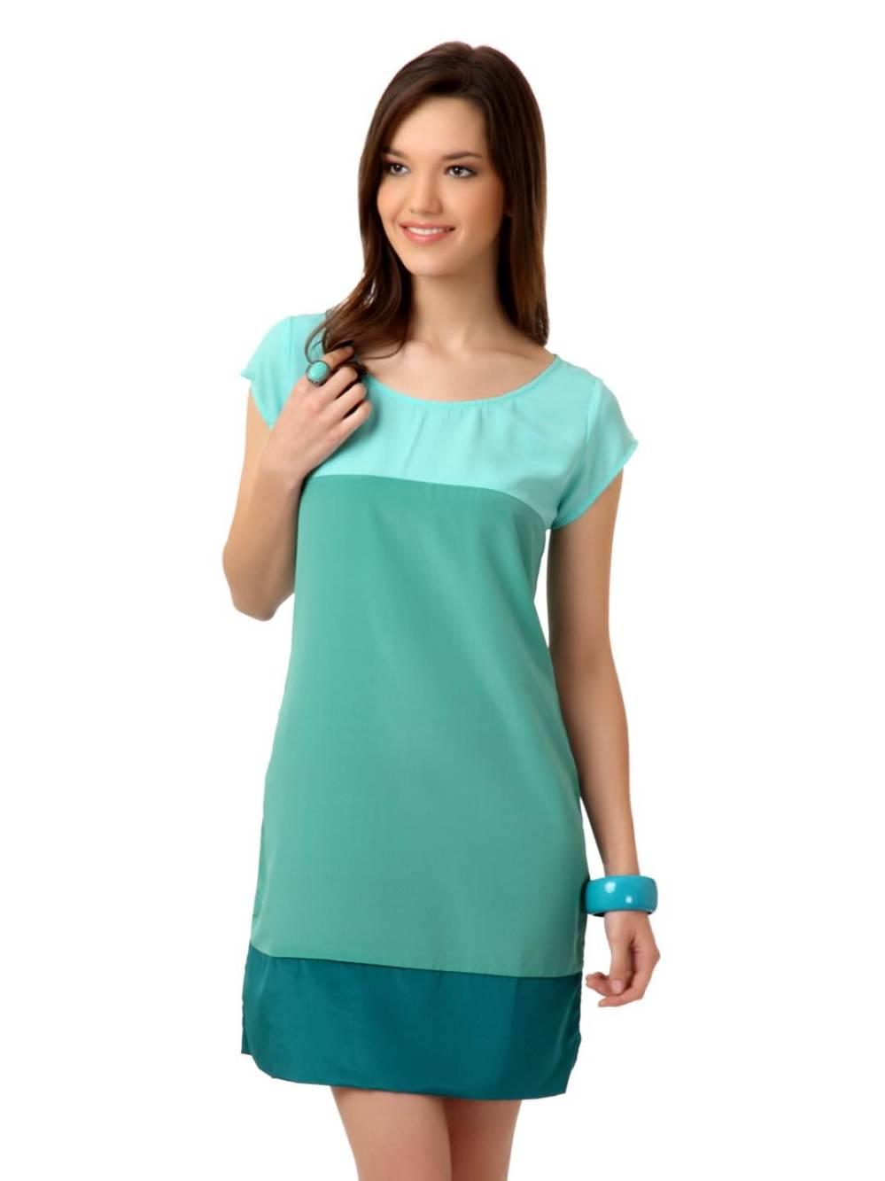 woman_green_dress